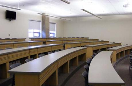 Classrooms and meeting rooms with seating for 20-100
