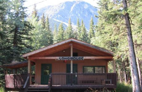 The Longhouse - 13 x rooms of 4 guests & 1 x room of 14 guests - Camp Chief Hect