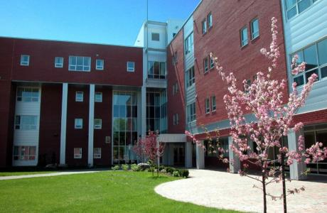 Bishop's University - Paterson residence (44 apartments)