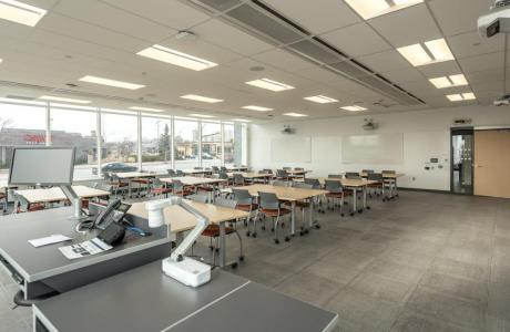 Flexible classrooms with plenty of natural light