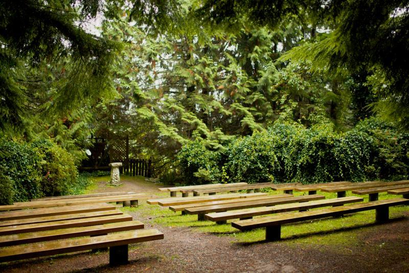 Chapel outdoor meeting space