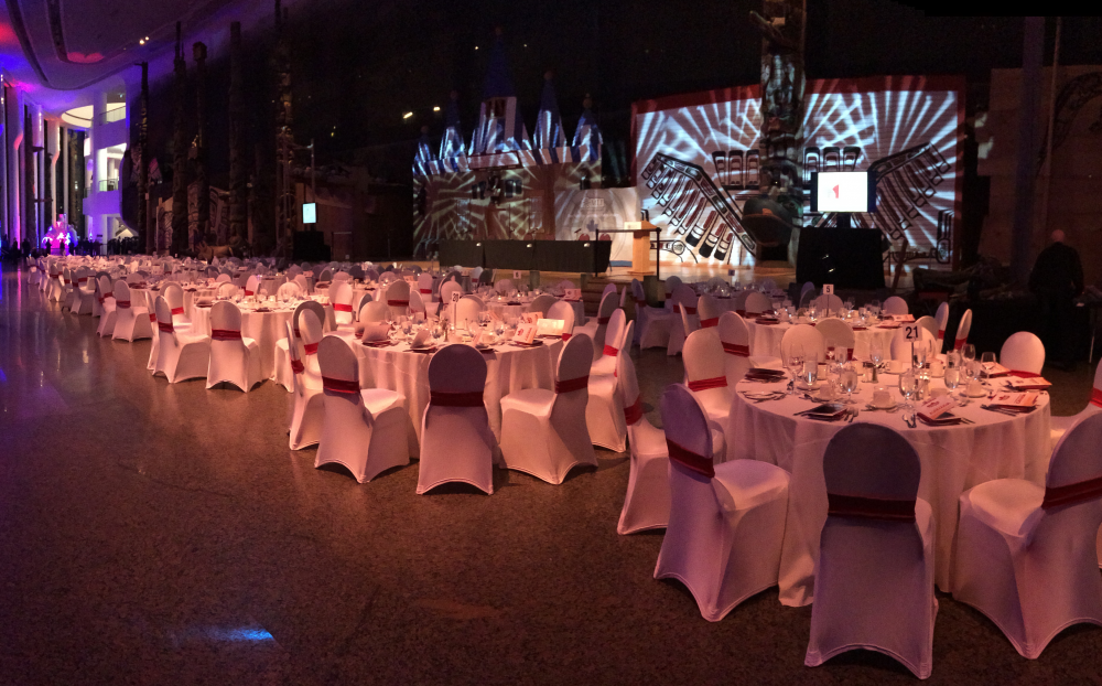 Dinner event in the Grand Hall -  Évènement dînatoire dans la Grande Galerie