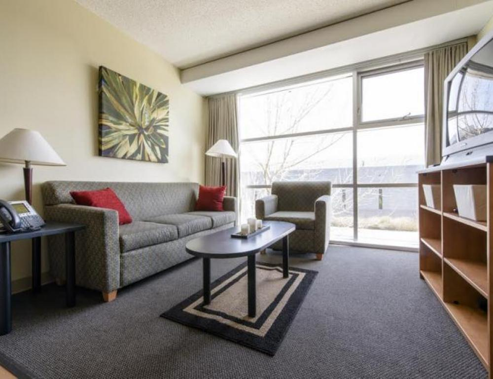 Residence 4 Bedroom Living Room area at MRU