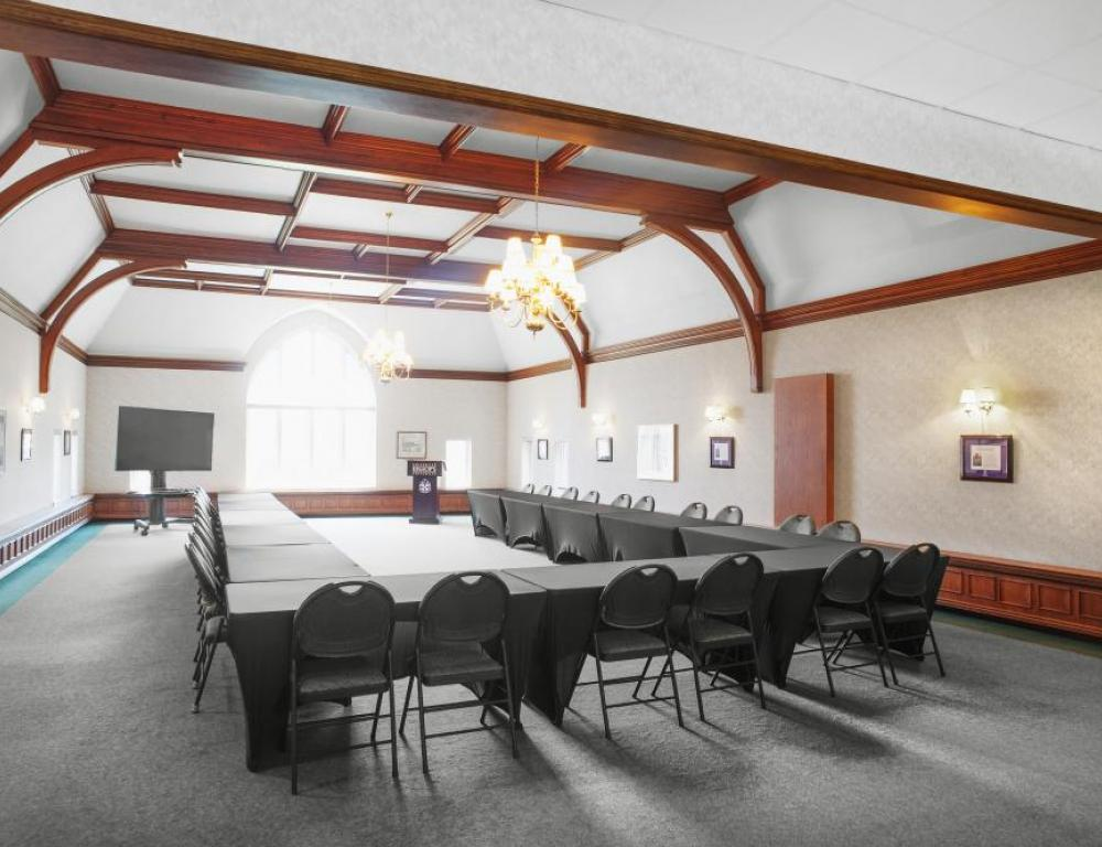 Bishop's University - Cleghorn Lounge,  U shape for  40 participants