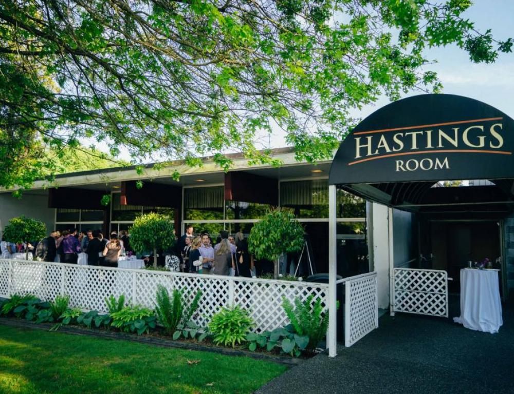 With 3,600 square feet of space, the Hastings Room is an excellent venue for hosting meetings, banquets, seminars, wedding receptions and seasonal celebrations