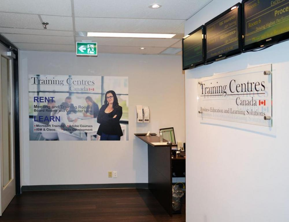 Training Centres 330 Bay Street, suite 610 - Lobby - Reception and sign in