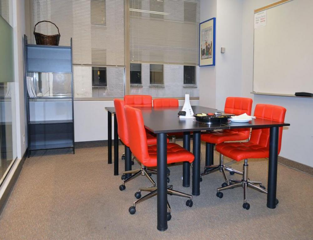 Small Boardroom seats up to 6 attendees
